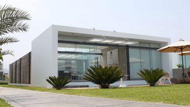 Photo of Diseño de casa de playa pequeña, sencilla estructura que se integra al entorno natural
