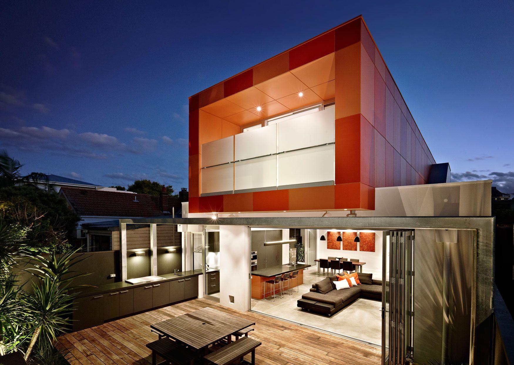 Dise o de casa moderna de dos plantas planos construye for Casas modernas de un piso por dentro