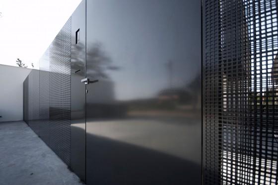 Diseño de cerco perimétrico moderno de casa