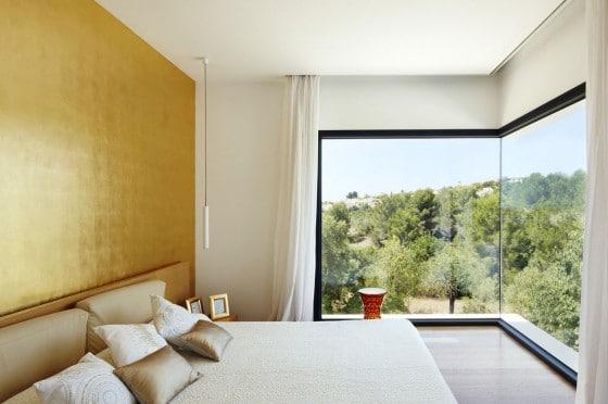 Diseño de dormitorio con hermosa vista