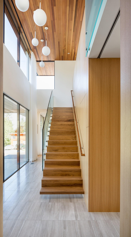 Dise o de casa de un piso moderna planos for Diseno de escaleras