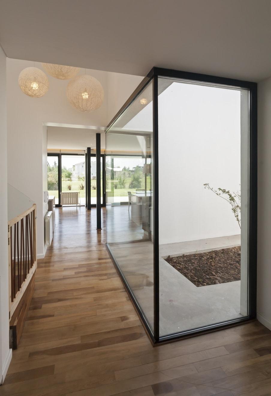 Dise o de casa de dos pisos moderna la estructura for Diseno de pisos interiores