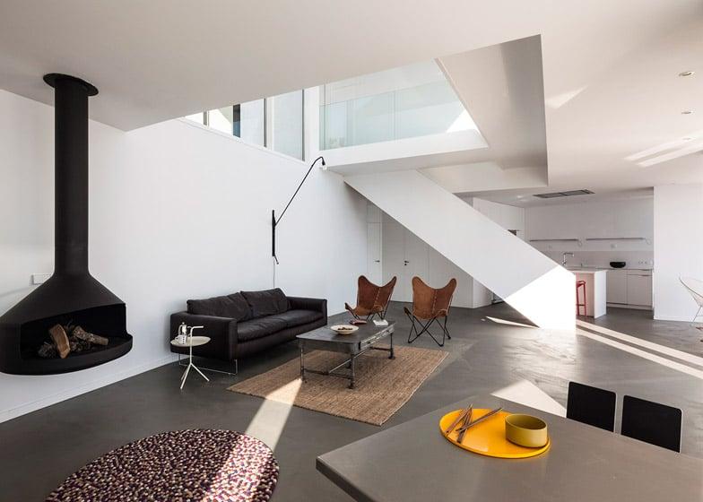 Dise o de casa de playa de dos pisos construye hogar for Diseno de interiores nota de corte