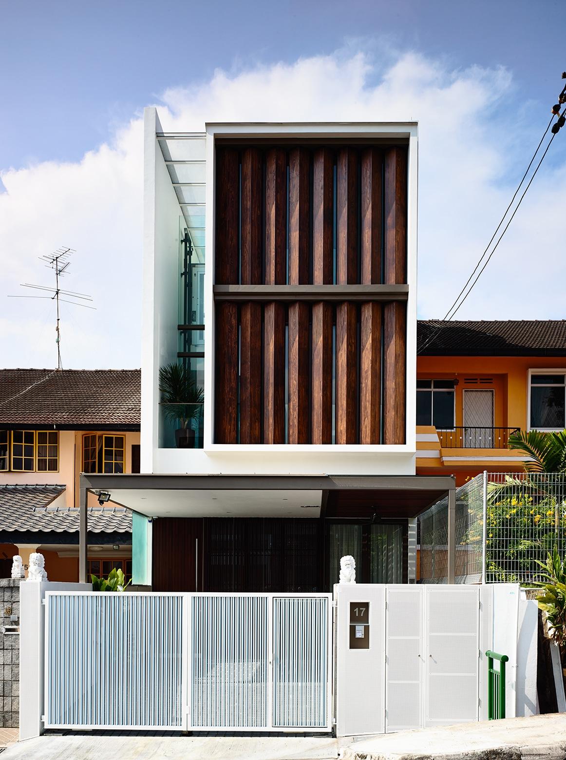Fachadas modernas de casas de dos pisos for Casas de madera modernas