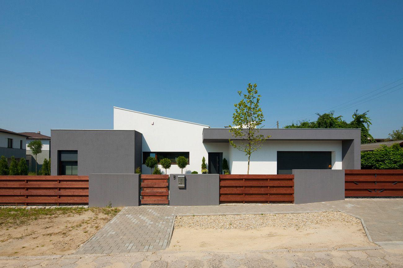 Dise o de casa de una planta con planos construye hogar for Casas modernas techos inclinados