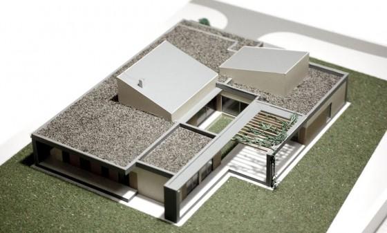 Maqueta de casa de un  piso de forma cuadrada