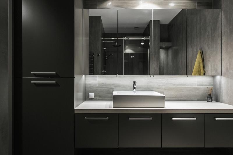 Plano de departamento peque o un dormitorio construye hogar for Banos modernos con walking closet