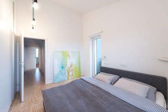 Diseño de dormitorio sencillo de loft