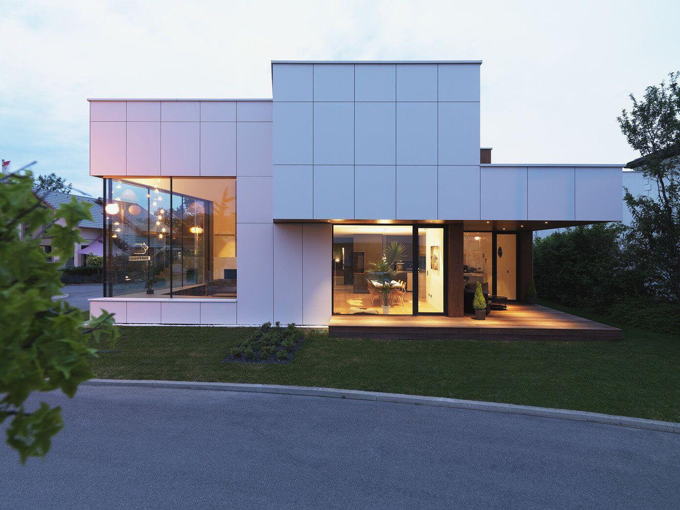 Planos de casa de dos plantas moderna for Casas rectangulares