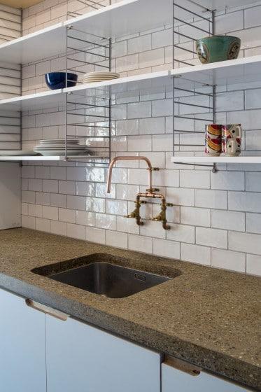 Diseño de lavatorio de cocina rústico grifería cobre