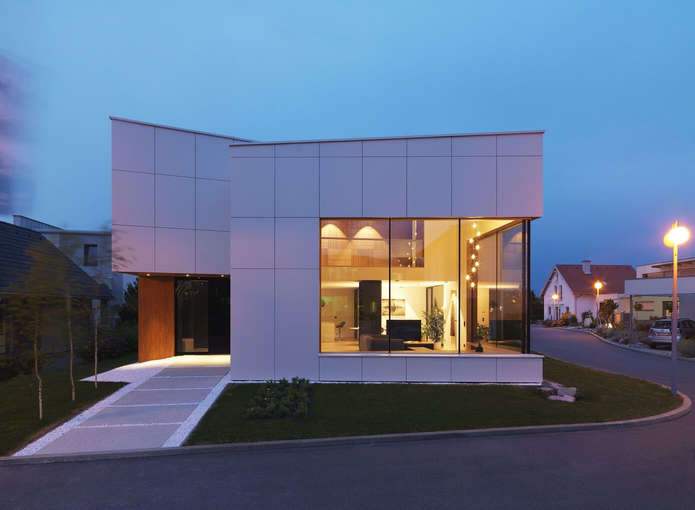 Planos de casa de dos plantas moderna for Fachadas de ventanas para casas modernas