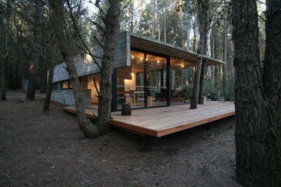 Diseño de casa pequeña de hormigón y madera