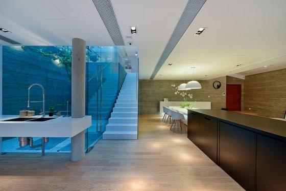 Diseño de escaleras modernas de metal