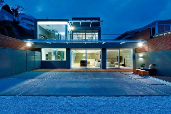 Diseño de fachada posterior moderna casa