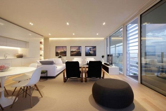 Diseño de sala comedor de departamento moderno
