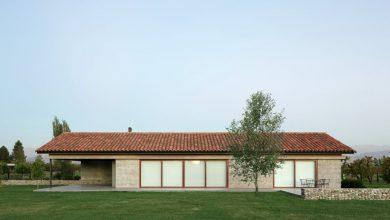 Photo of Diseño de casa de campo de un piso con estructura de hormigón, descubre la aplicación de materiales modernos en viviendas rurales