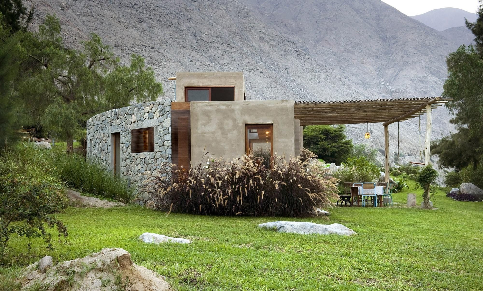 Dise o casa de campo tradicional construye hogar for Casa moderna en el campo