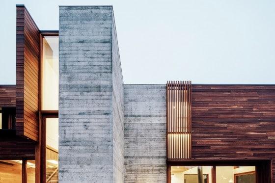 Casa de hormigón y madera