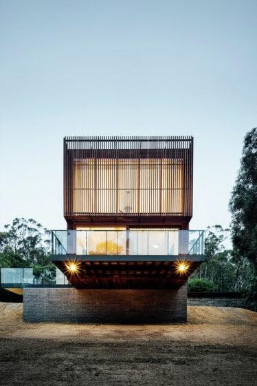 Fachada principal casa moderna dos plantas grande