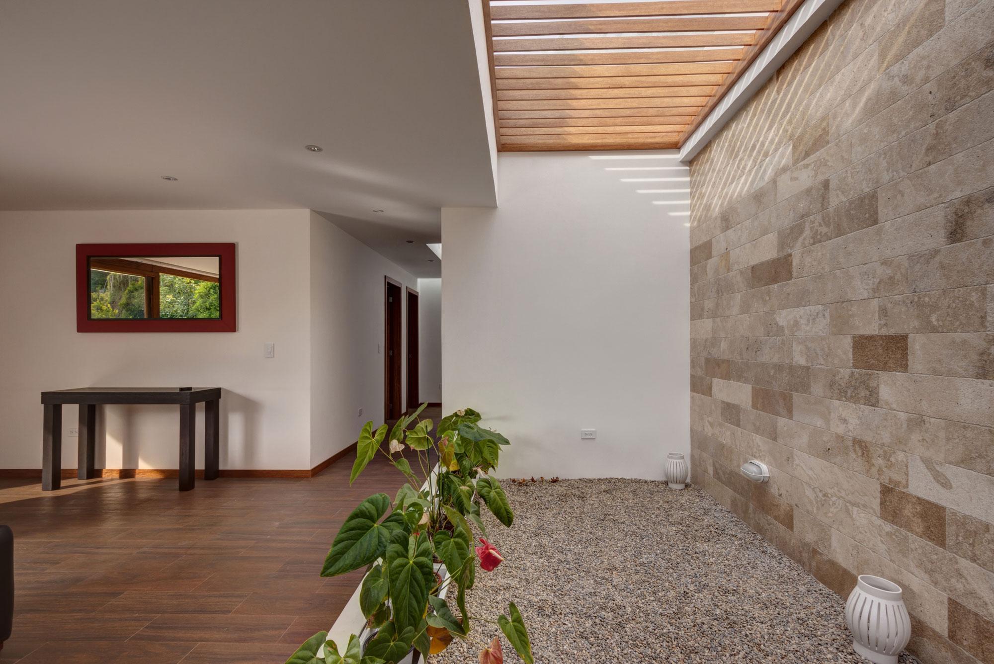 Casa una planta moderna con techo verde construye hogar for Imagenes de techos modernos