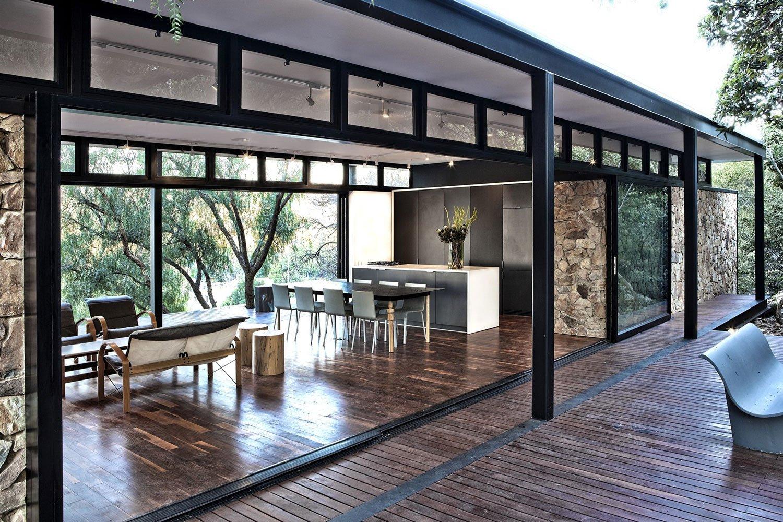 Moderna casa de campo con estructura acero construye hogar for Planos terrazas exteriores