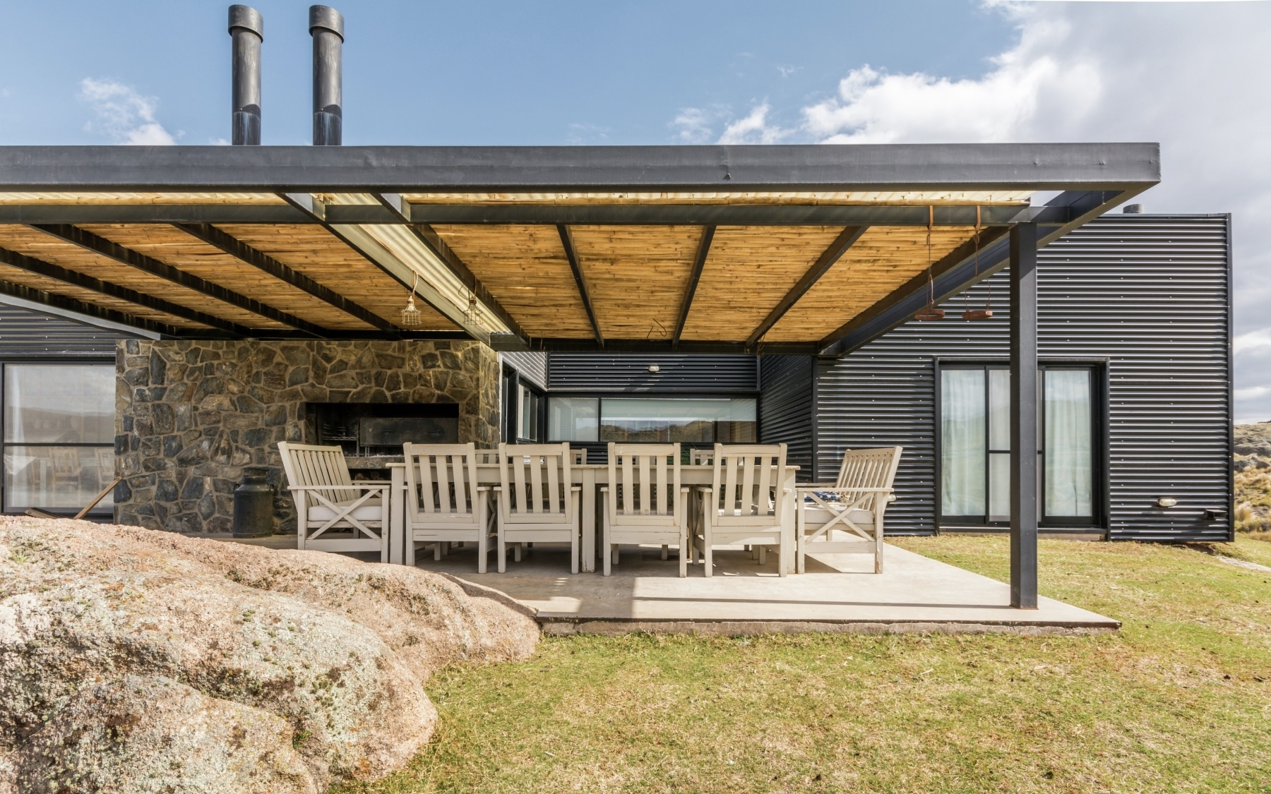 Dise o casa de campo tres dormitorios construye hogar for Diseno techos exteriores