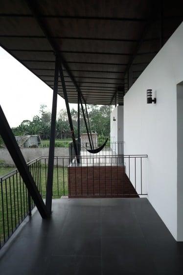 Diseño de balcones de casa moderna