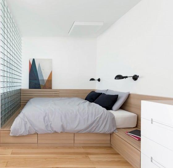 Diseño de dormitorio con bloques de vidrio