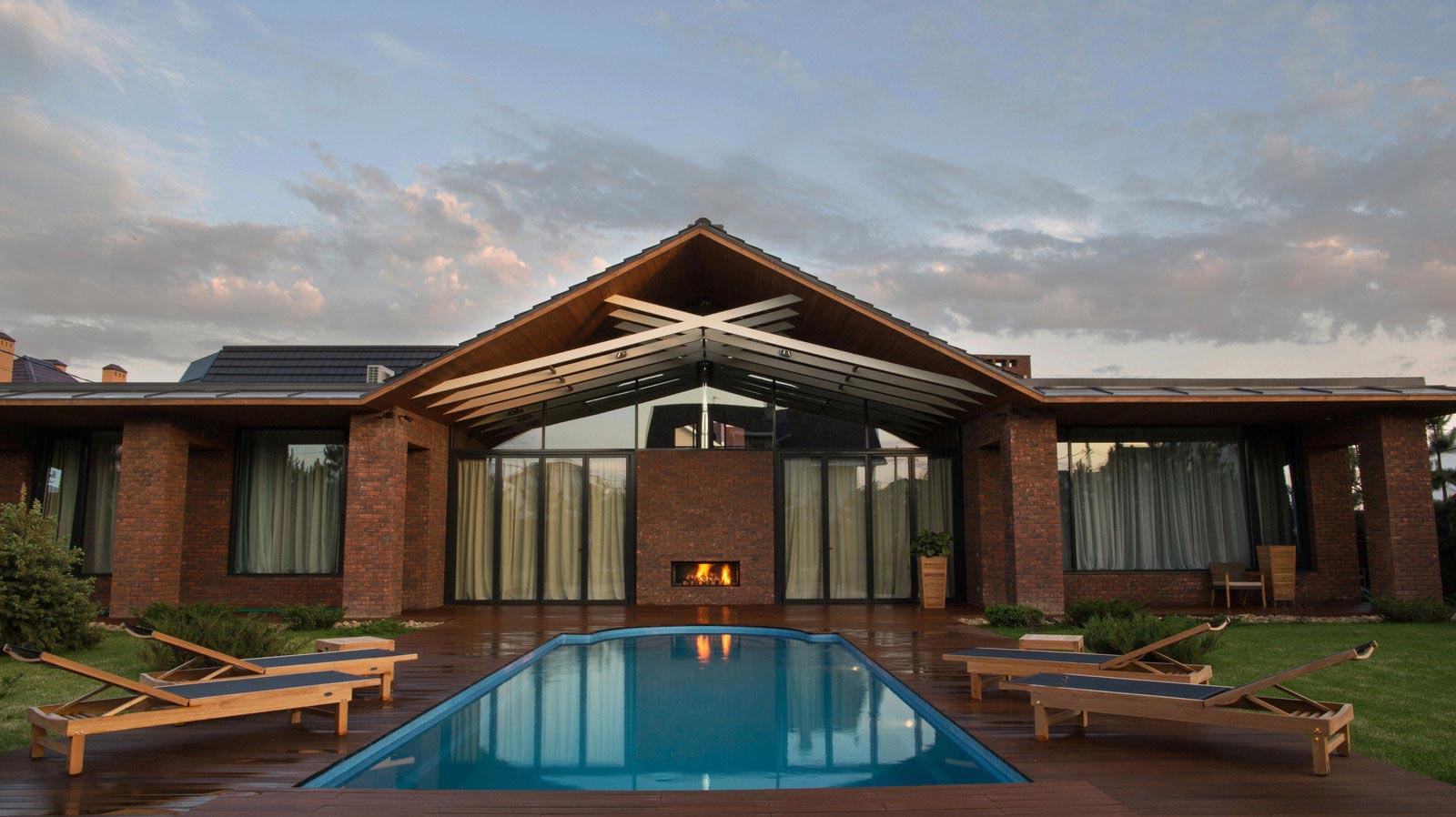 Casa de un piso de 390 metros cuadrados construye hogar for Casas de madera con piscina