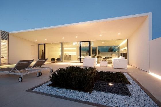 Hermosa fachada de casa moderna