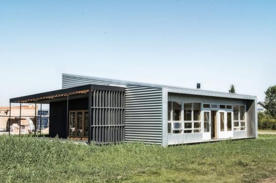 Diseño de casa económica reciclada