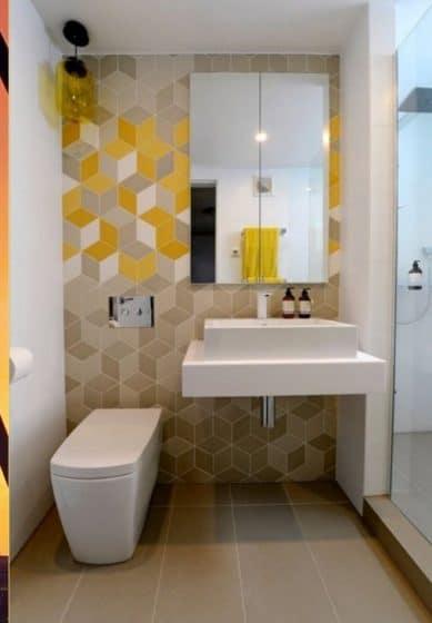 Cuarto de baño pequeño con cerámicos de figuras geométricas