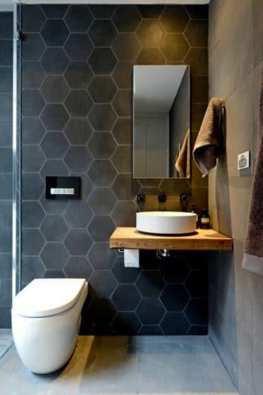 Cuarto de baño pequeño con cerámicas hexagonales