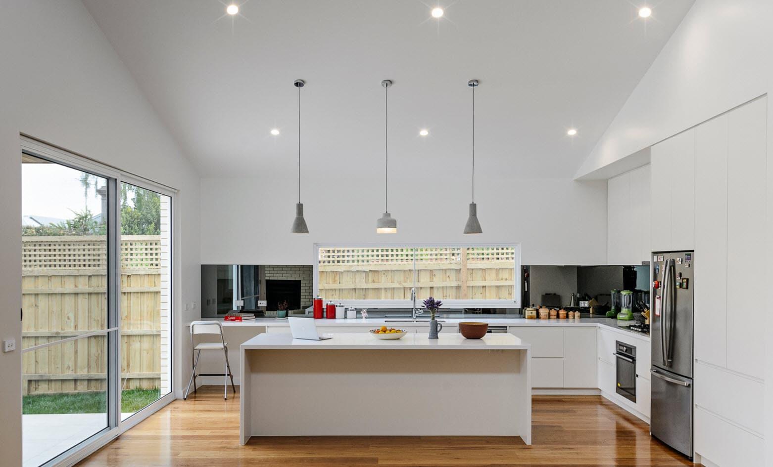 Dise o de casa moderna de un piso planos y fachadas for Cocinas con vista al jardin