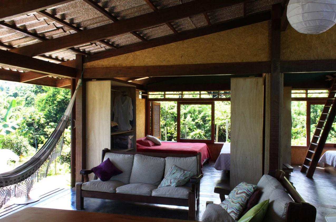 Dise o de casa de campo peque a de madera construye hogar for Planos de interiores de casas