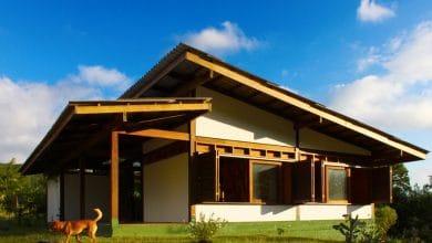 Casa madera techo a dos aguas