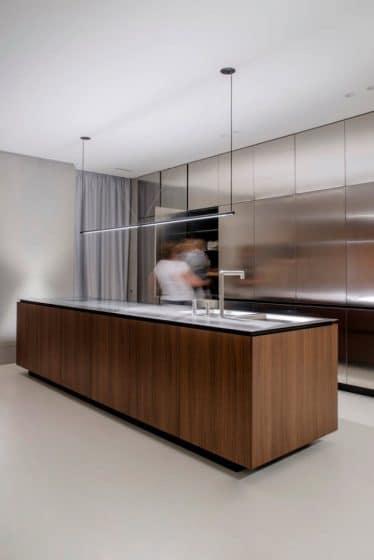 diseno-de-cocina-moderna-paneles-acero