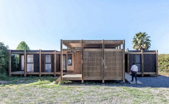 Fachada madera casa de campo