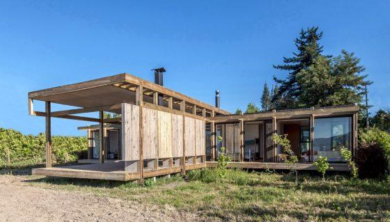 Fachada moderna casa de campo madera