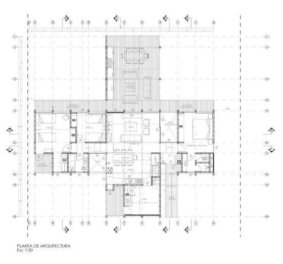 Plano casa de campo de un piso tres dormitorios