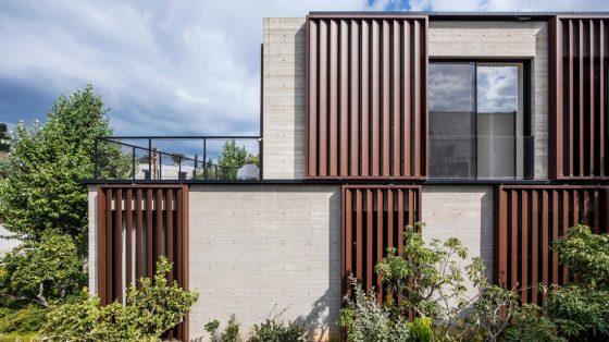 Fachada perfil casa de hormigón y acero