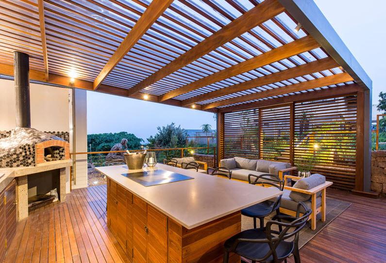 Diseño de terraza con techo madera