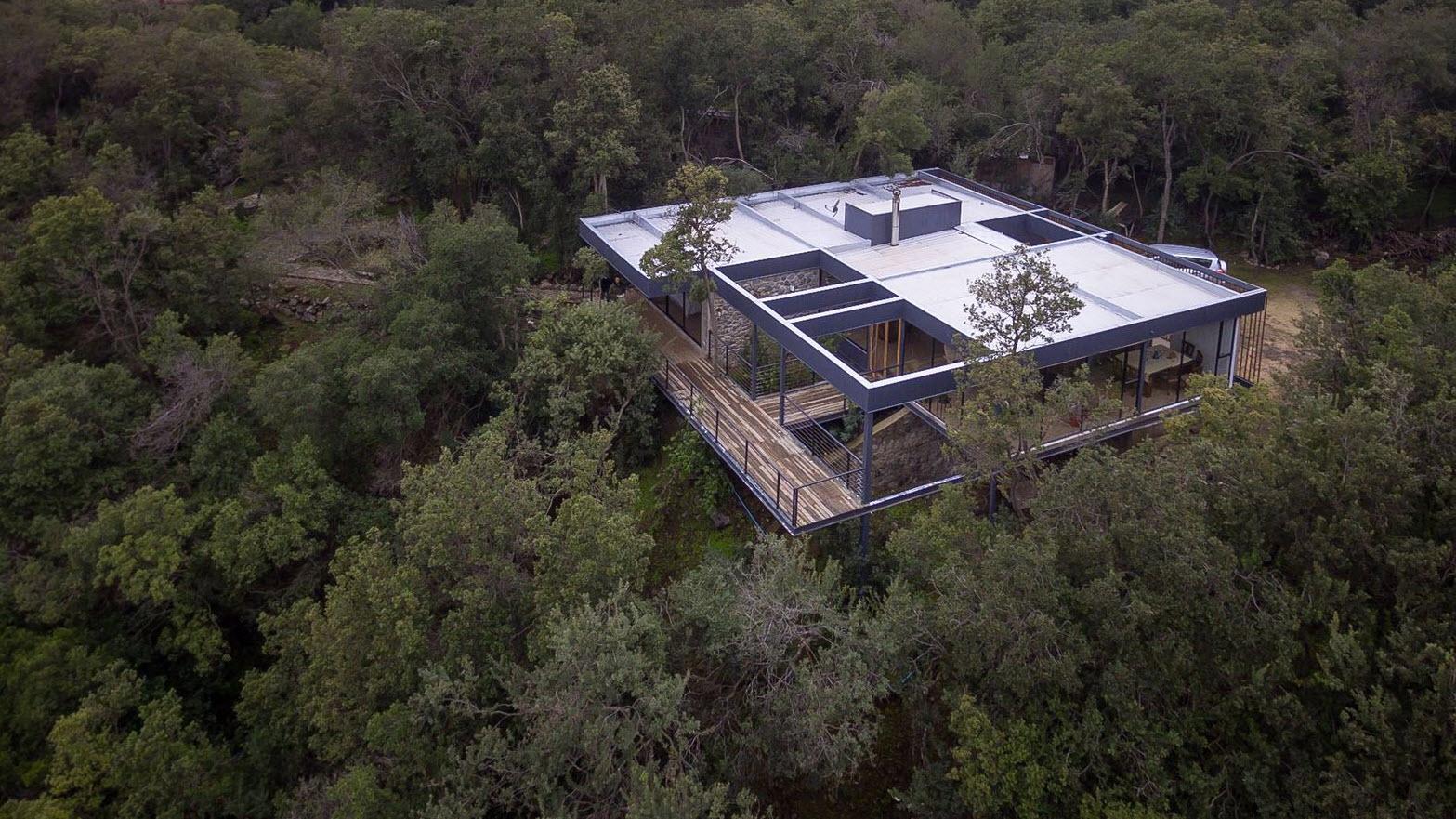 Diseño casa campo moderna en terreno pequeño