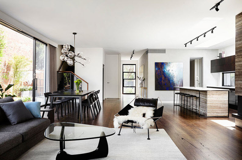 Casa de dos pisos peque a fachada e interiores for Sala comedor cocina pequena
