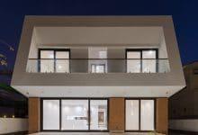 Photo of Diseño y planos de casa moderna de dos pisos, descubre una volumetría fuera de lo común