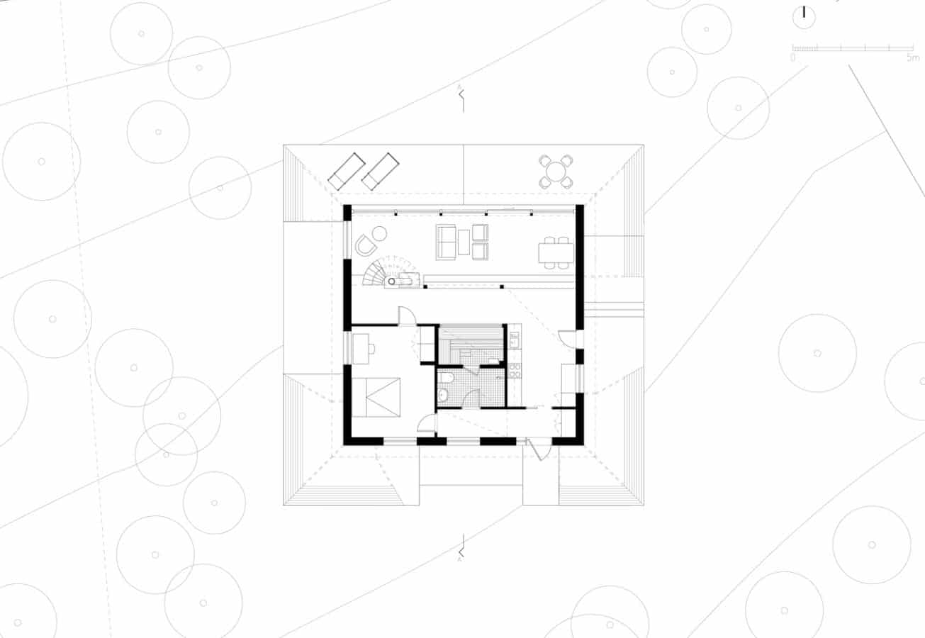Original casa de campo de forma piramidal construida con for Plano casa campo