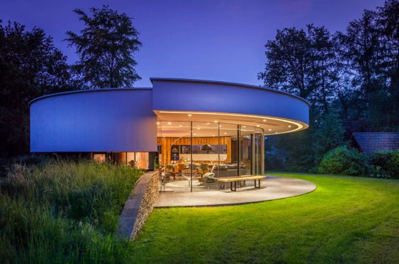 Moderno diseño casa de un piso circular
