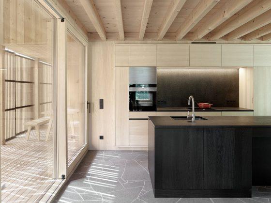 Diseño cocina madera dos tonos color