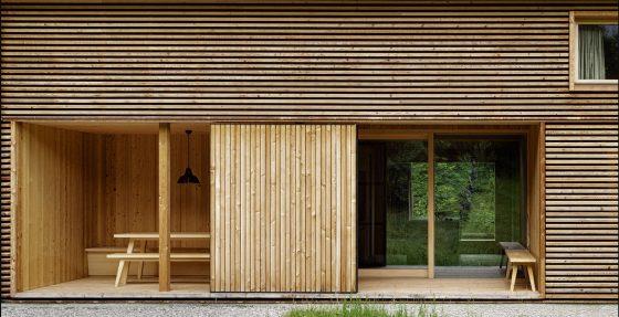 Fachada varillas de madera