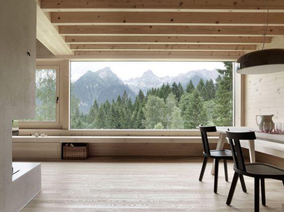 Ventana madera casa campo